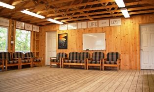 An image of the interior of Barbs Place at the Wenonah Outdoor Education Centre.
